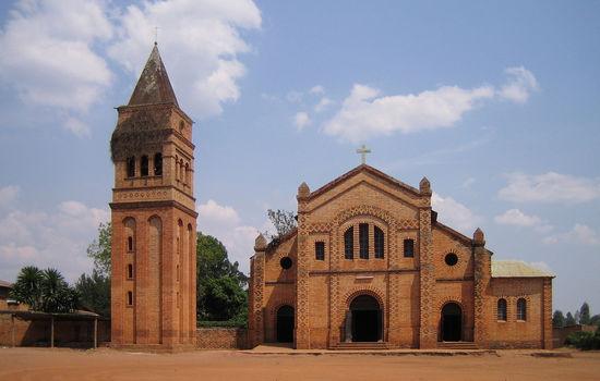 Strengere regler for kirker i Rwanda