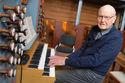 Nifingret organist (89) berger salmekabalen
